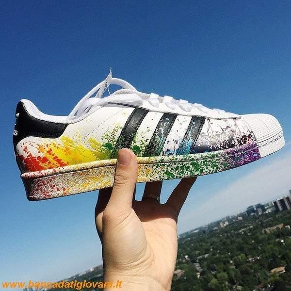 scarpe adidas superstar schizzi