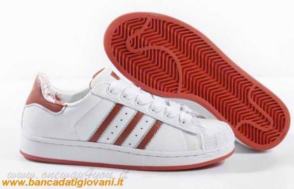 Adidas superstar alte rosse for Interno coscia macchie rosse