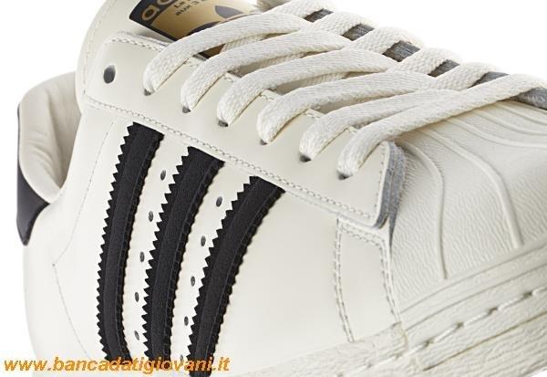 adidas superstar bianche e nere indossate