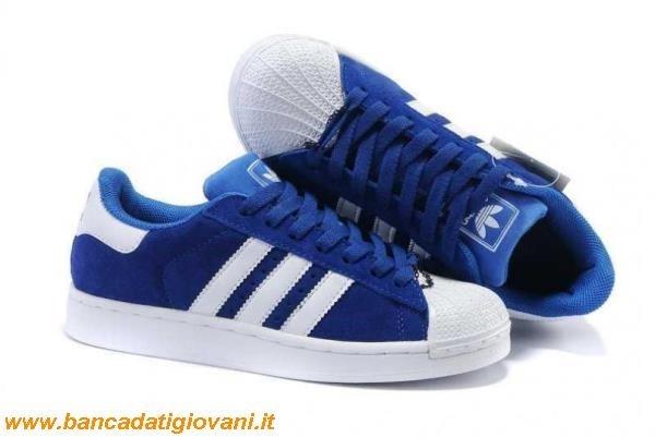 adidas bianche con strisce blu
